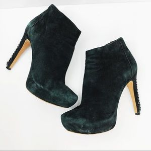 •Vince Camuto• Cannon Black Leather Booties Suede